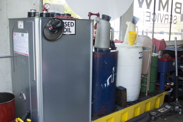 Double walled tank and spill containment pallet for shop fluids.